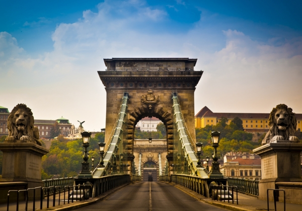 The legendary historical bridges of Budapest