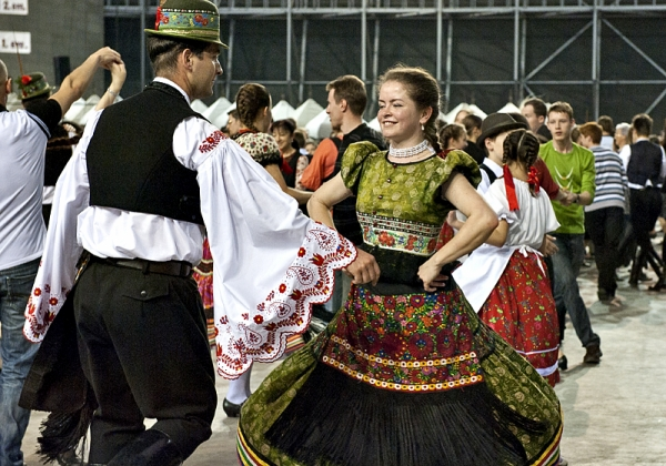 Hungarian folkdances – the 'csárdás'