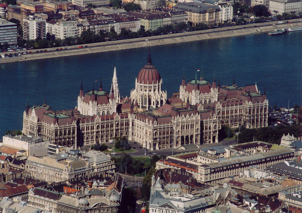 The world's third largest parliament building – the Hungarian Parliament