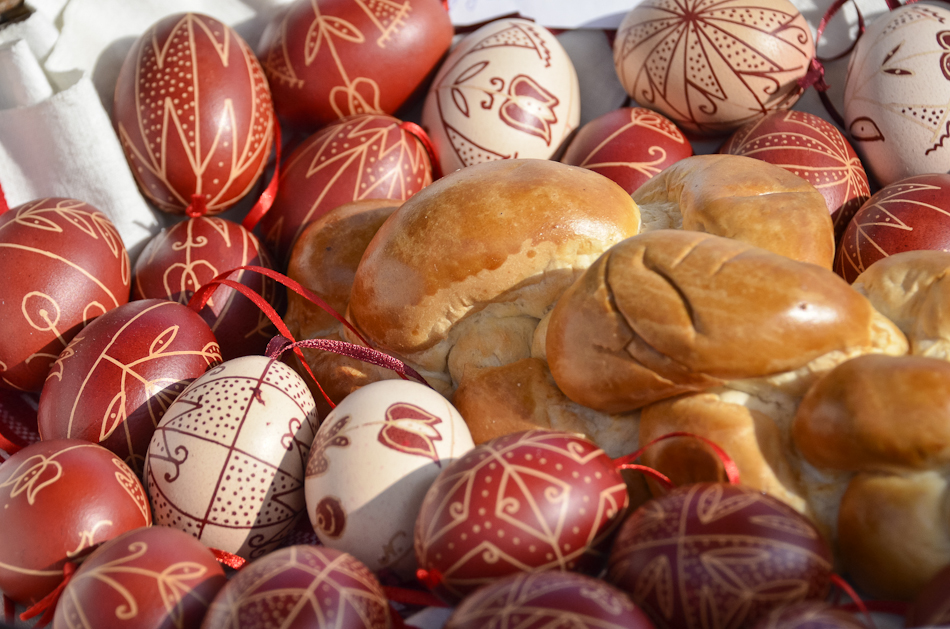 Easter in Hungary  – Easter shoed eggs, writed eggs and painted eggs
