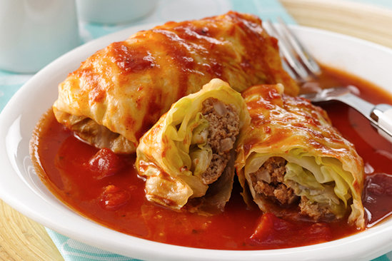 What people make from minced meat in Hungary? Stuffed cabbage and stuffed paprika