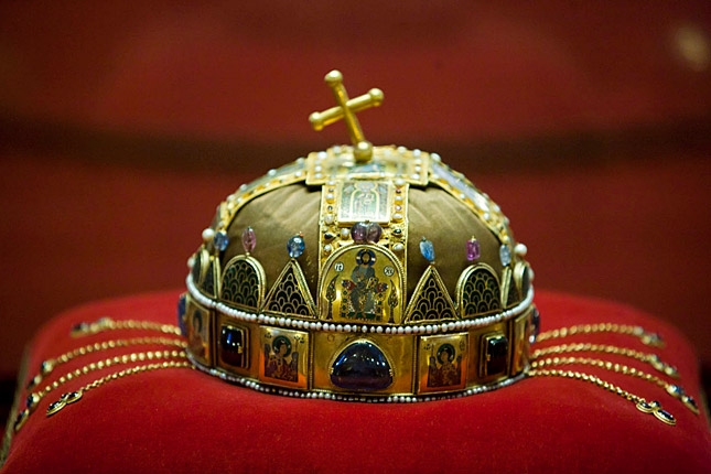 History of Hungary's Holy Crown