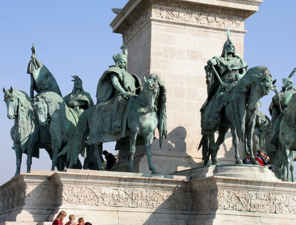 Saint kings, suzerains and an archangel – Millenium Monument in Hero's Square of Budapest