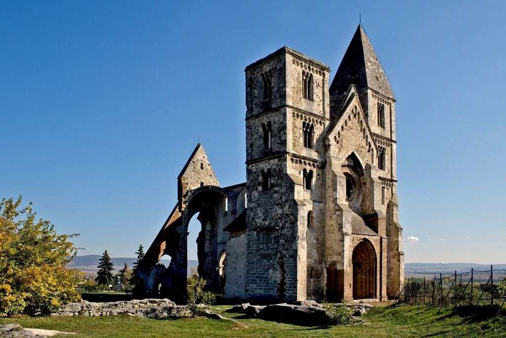 Ruins of Zsambek's chatedral