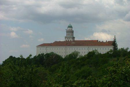 Pannonhalma Abbey - Image by György Károly Tóth from Pixabay